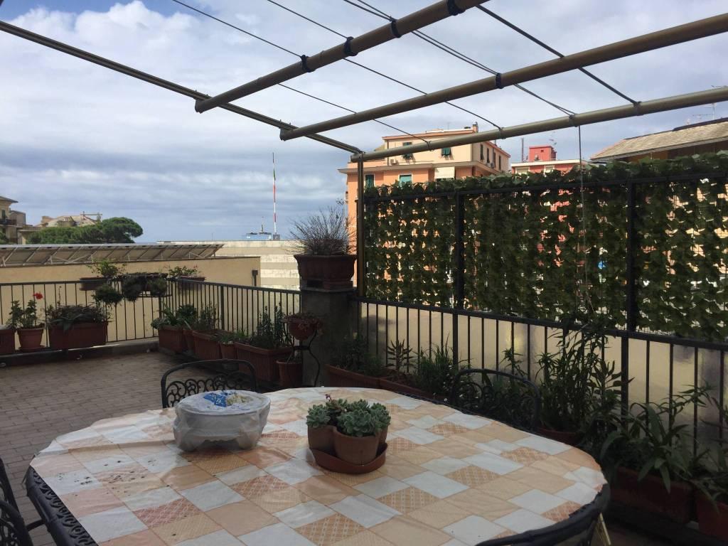 Appartamento in vendita a Recco, 3 locali, prezzo € 158.000 | CambioCasa.it