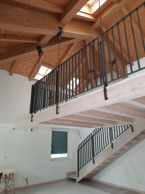 Attico / Mansarda in vendita a Lecco, 3 locali, Trattative riservate | CambioCasa.it