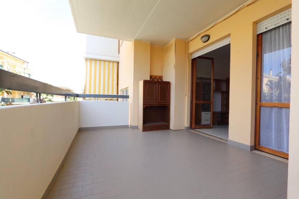 Appartamento in vendita a Tortoreto, 3 locali, prezzo € 115.000 | CambioCasa.it