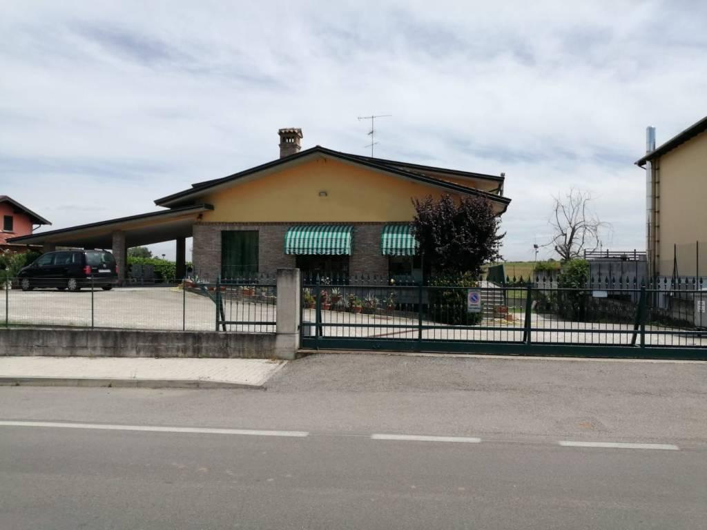 Negozio / Locale in vendita a Torrazza Coste, 6 locali, Trattative riservate | CambioCasa.it