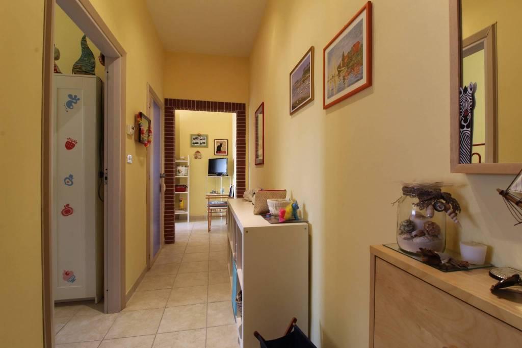 Appartamento in vendita a Tortoreto, 3 locali, prezzo € 74.000 | CambioCasa.it