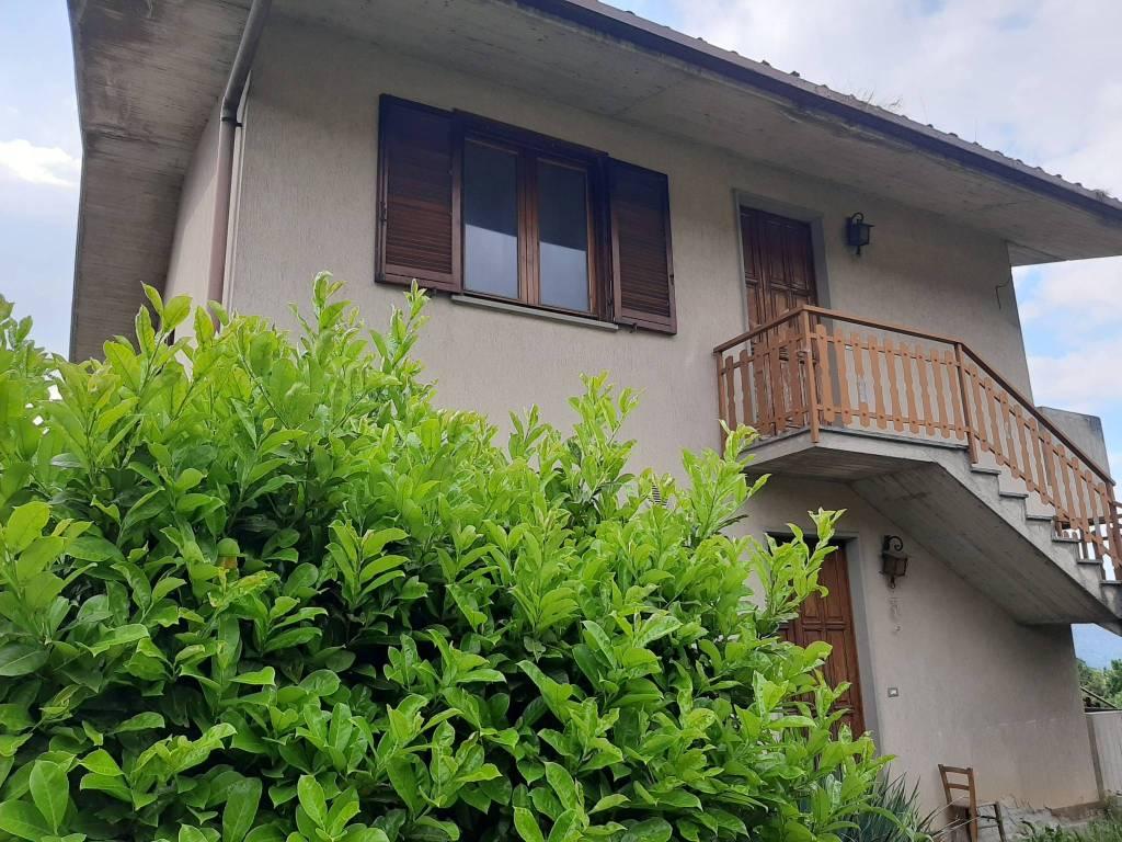 Appartamento in vendita a Gazzaniga, 4 locali, prezzo € 75.000 | PortaleAgenzieImmobiliari.it