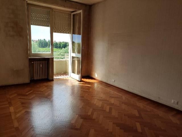 Appartamento in buone condizioni in affitto Rif. 6874804