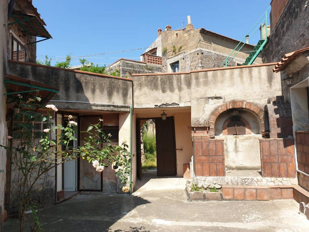 Rustico 5 locali in vendita a Sant'Agata de' Goti (BN)