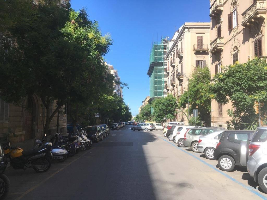 Appartamento in Affitto a Palermo Centro: 5 locali, 191 mq