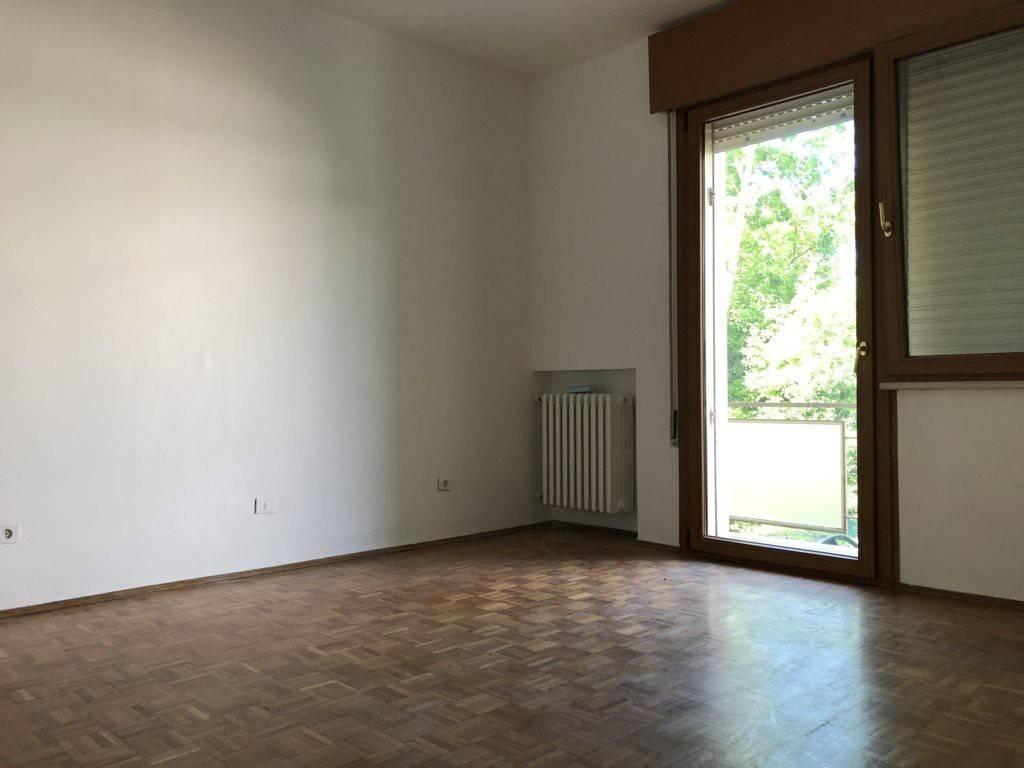Appartamento in vendita a Mirano, 5 locali, prezzo € 165.000 | CambioCasa.it