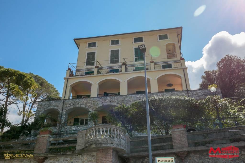 Appartamento in affitto a Camogli, 7 locali, prezzo € 1.800 | CambioCasa.it