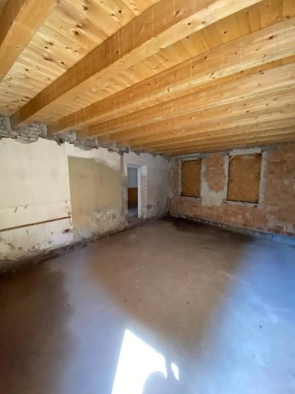 Soluzione Indipendente in vendita a Castellucchio, 6 locali, prezzo € 55.000 | CambioCasa.it