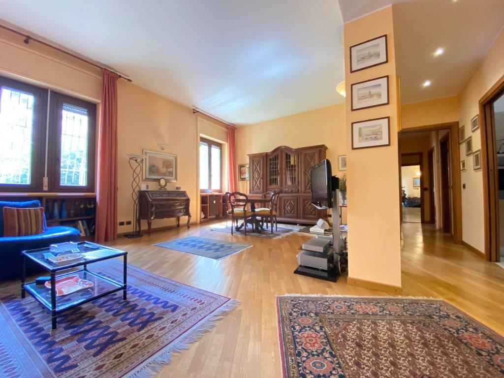 Appartamento in vendita a Milano, 3 locali, prezzo € 615.000 | PortaleAgenzieImmobiliari.it