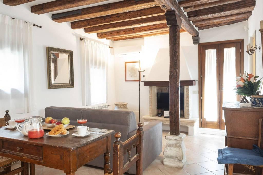 Appartamento in vendita a Venezia, 3 locali, prezzo € 230.000 | PortaleAgenzieImmobiliari.it