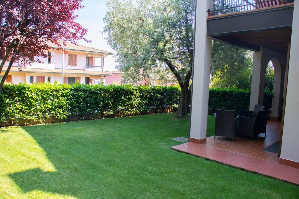 Appartamento in vendita a Calcinato, 3 locali, prezzo € 155.000 | CambioCasa.it