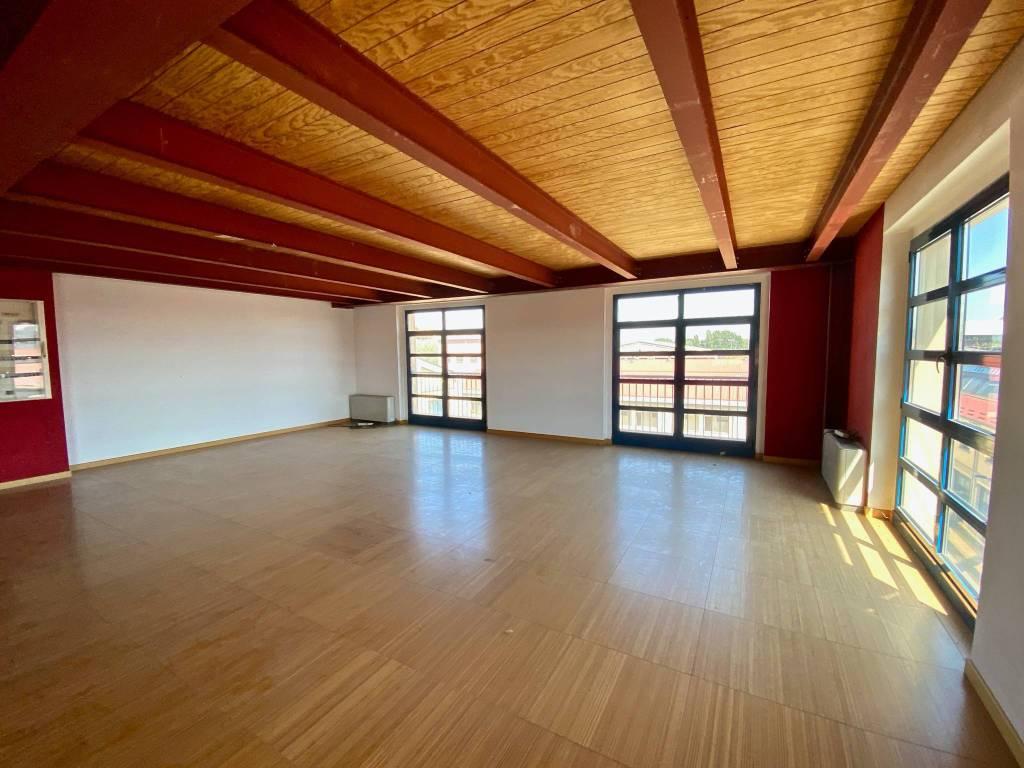 Ufficio-studio in Vendita a Milano 24 Chiesa Rossa / Gratosoglio / Vigentino: 2 locali, 320 mq