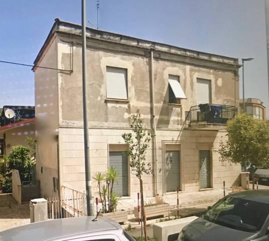 Appartamento in buone condizioni parzialmente arredato in affitto Rif. 7029337
