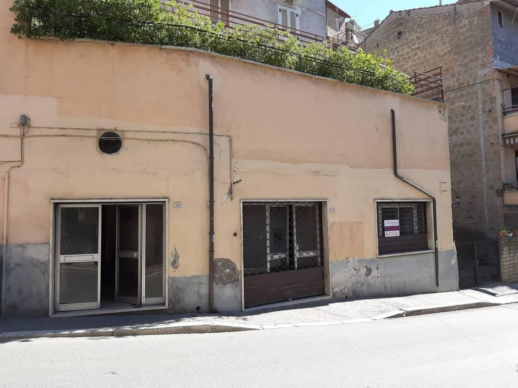Negozio / Locale in vendita a Riano, 4 locali, prezzo € 80.000 | CambioCasa.it