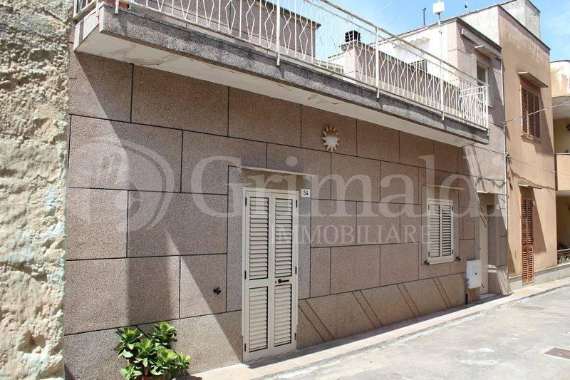 Casa indipendente in Vendita a Tuglie Centro: 3 locali, 85 mq