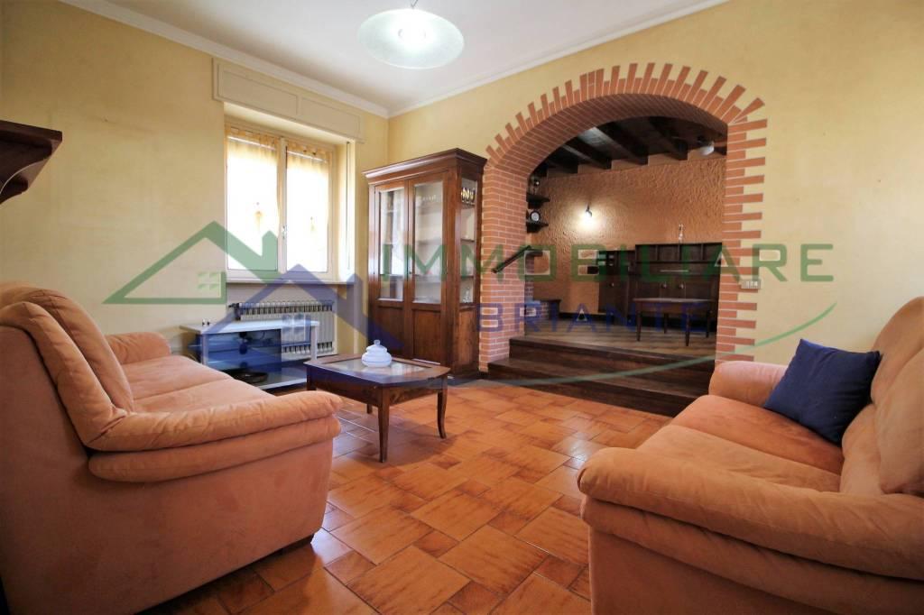Soluzione Indipendente in vendita a Cairate, 6 locali, prezzo € 149.000 | CambioCasa.it