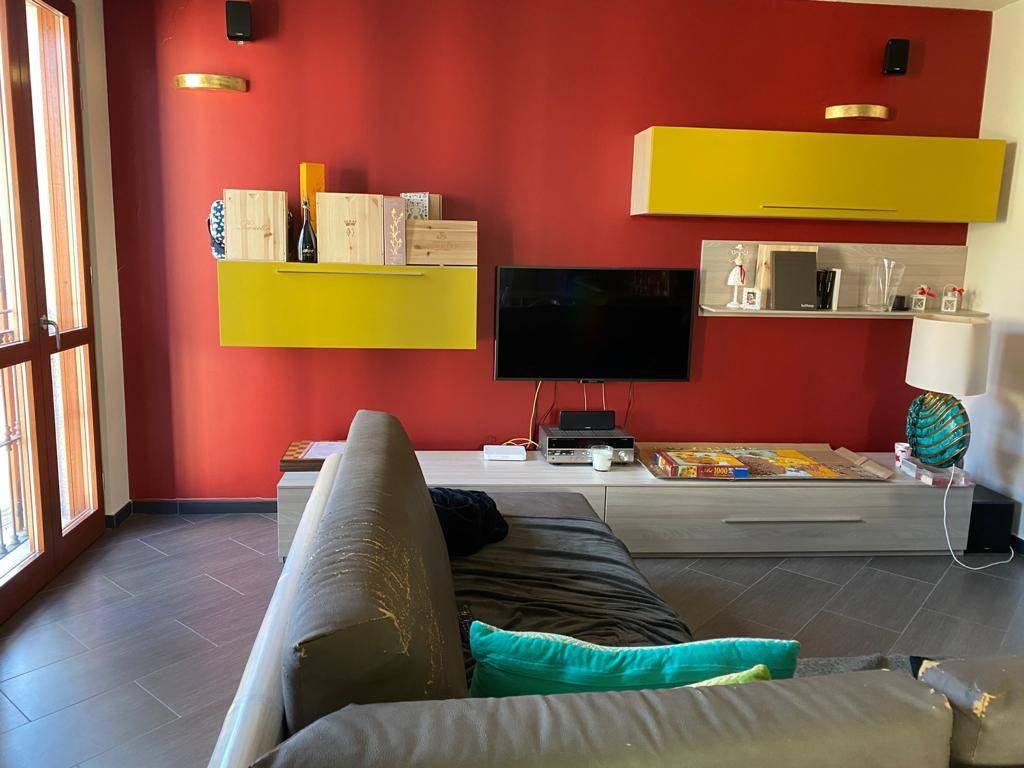 Appartamento in affitto a Arona, 4 locali, prezzo € 1.100 | PortaleAgenzieImmobiliari.it