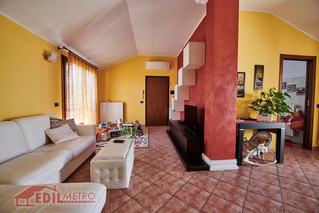 Appartamento in vendita a Settala, 3 locali, prezzo € 185.000 | CambioCasa.it