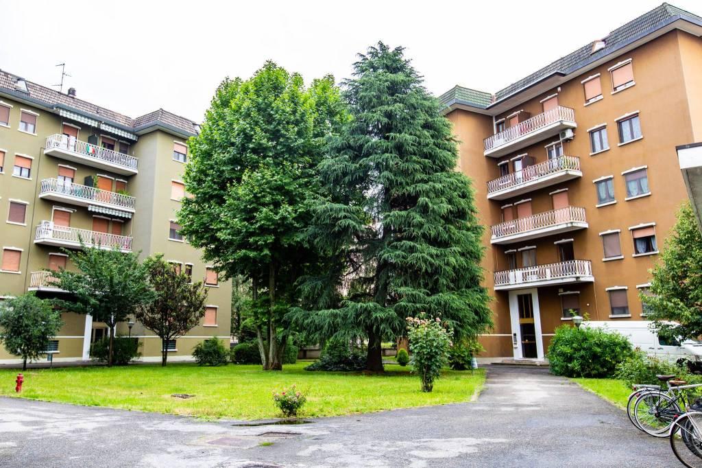 Appartamento in vendita a Bareggio, 3 locali, prezzo € 120.000 | CambioCasa.it