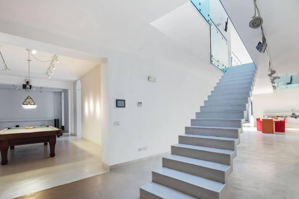 Villa in Vendita a Milano 25 Cassala / Famagosta / Lorenteggio / Barona: 5 locali, 870 mq