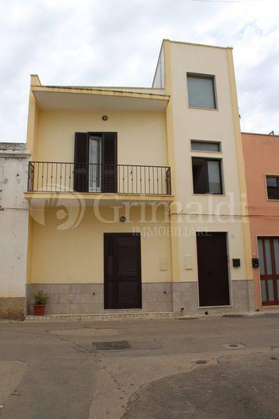 Casa indipendente in Vendita a Tuglie Periferia: 5 locali, 200 mq