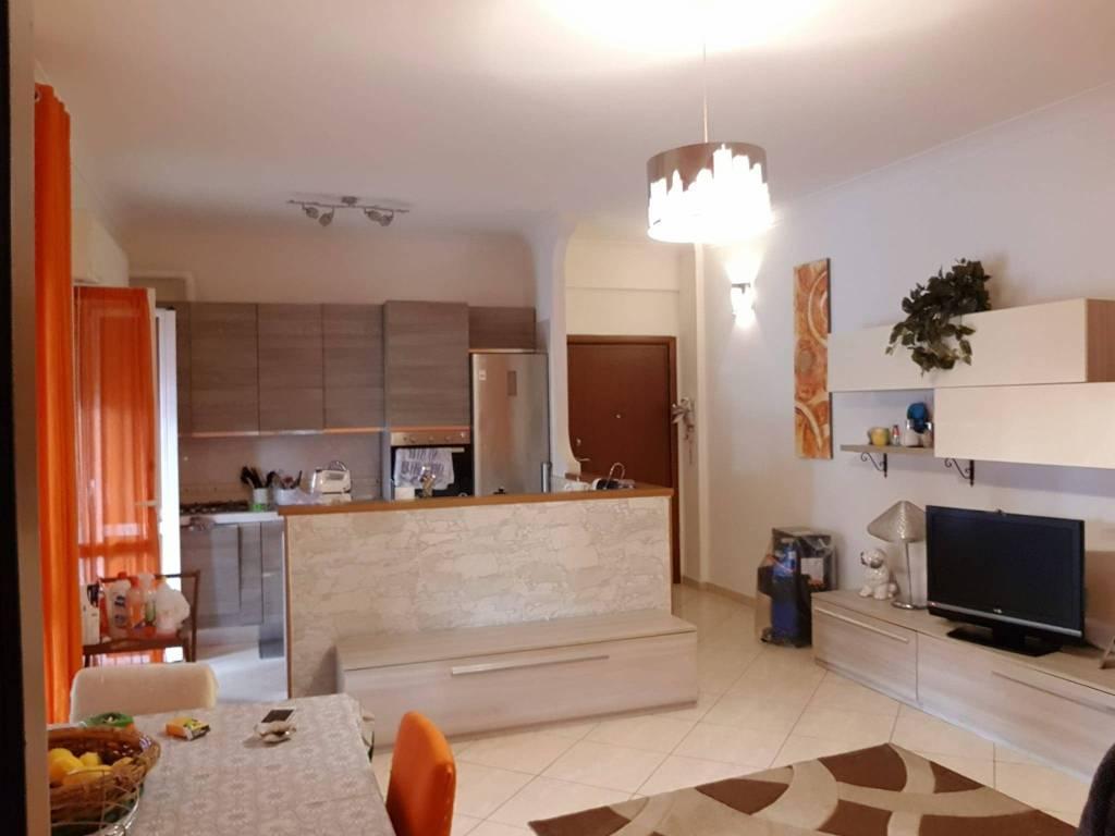 Appartamento in vendita a Santa Marinella, 3 locali, prezzo € 129.000 | CambioCasa.it