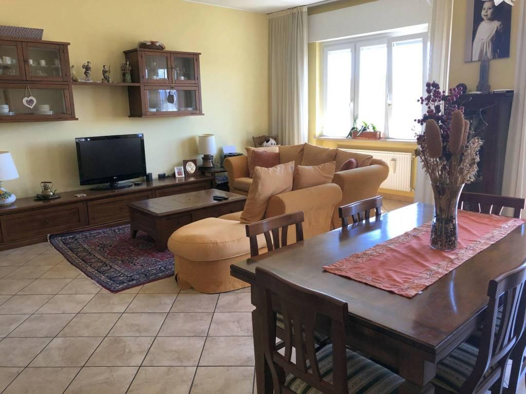 Attico / Mansarda in vendita a Gavirate, 3 locali, prezzo € 132.000   PortaleAgenzieImmobiliari.it