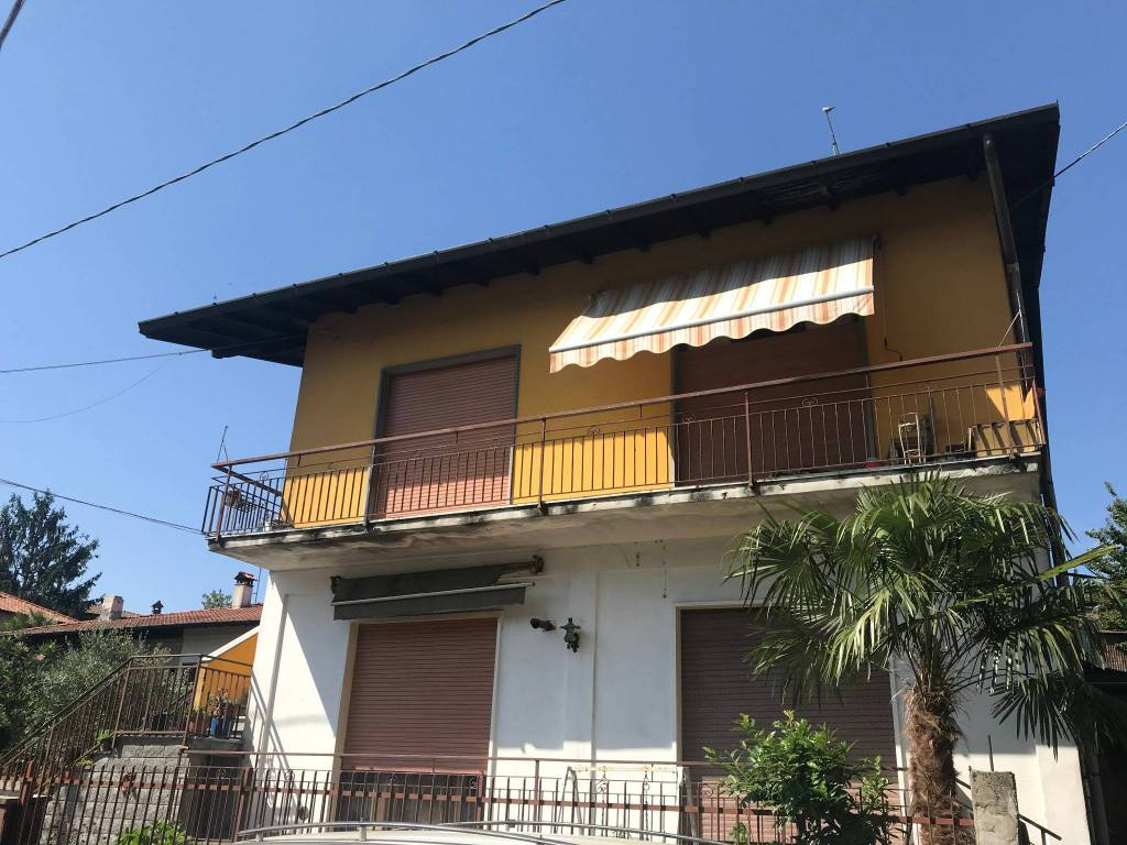 Villa in vendita a Arsago Seprio, 6 locali, prezzo € 175.000   PortaleAgenzieImmobiliari.it