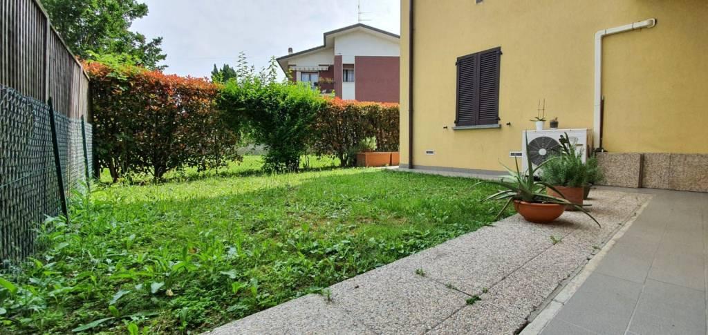 Appartamento in vendita a Uboldo, 3 locali, prezzo € 150.000   CambioCasa.it