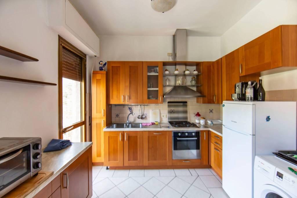 Appartamento in affitto a Pescia, 4 locali, prezzo € 750   CambioCasa.it