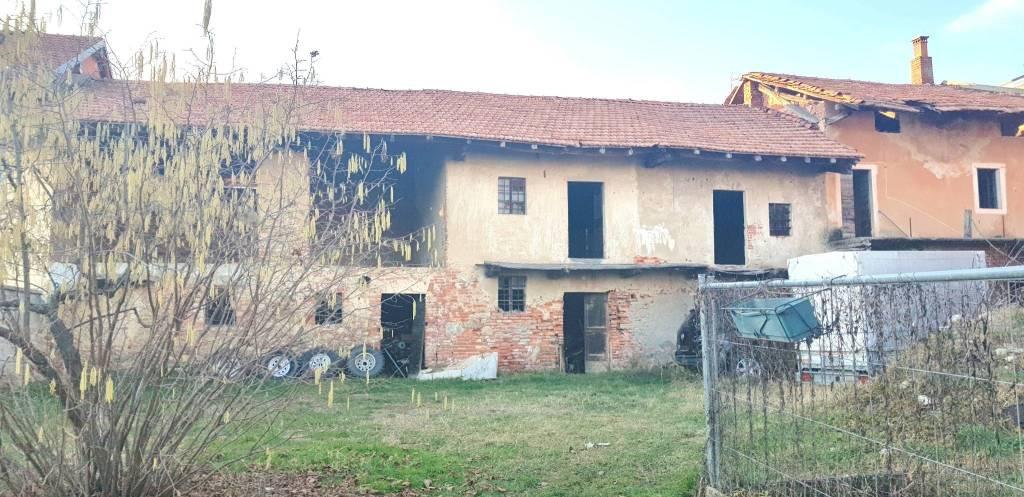 Rustico / Casale in vendita a Agrate Conturbia, 6 locali, prezzo € 75.000 | PortaleAgenzieImmobiliari.it