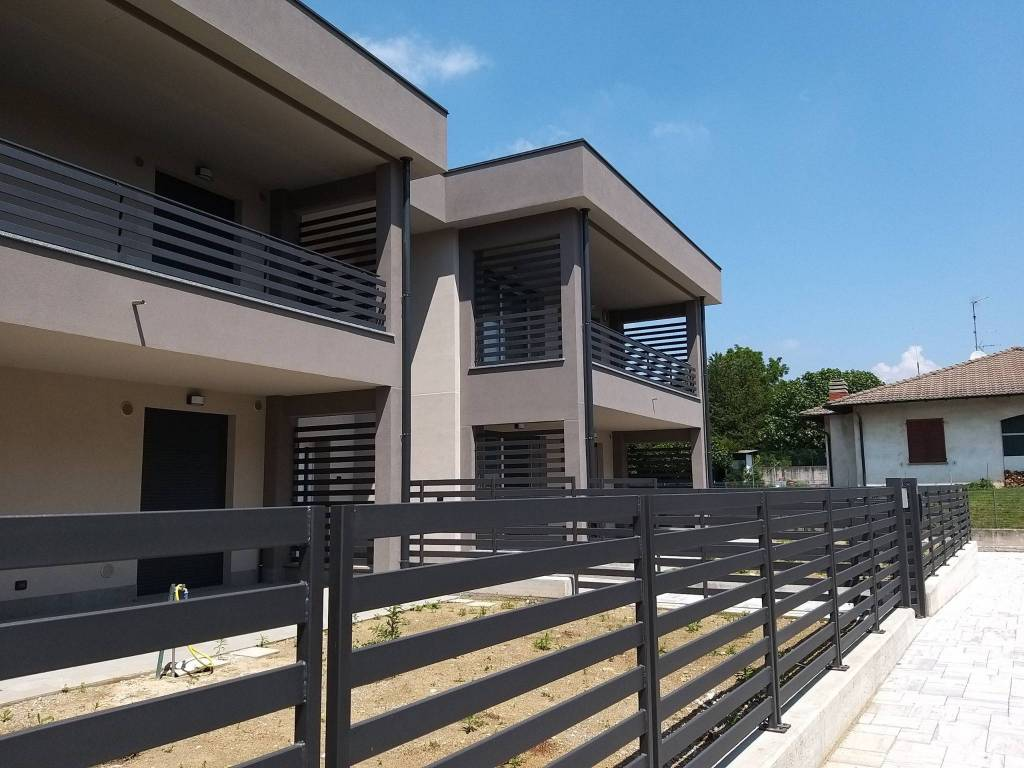 Appartamento in vendita a Olgiate Comasco, 3 locali, prezzo € 260.000 | PortaleAgenzieImmobiliari.it