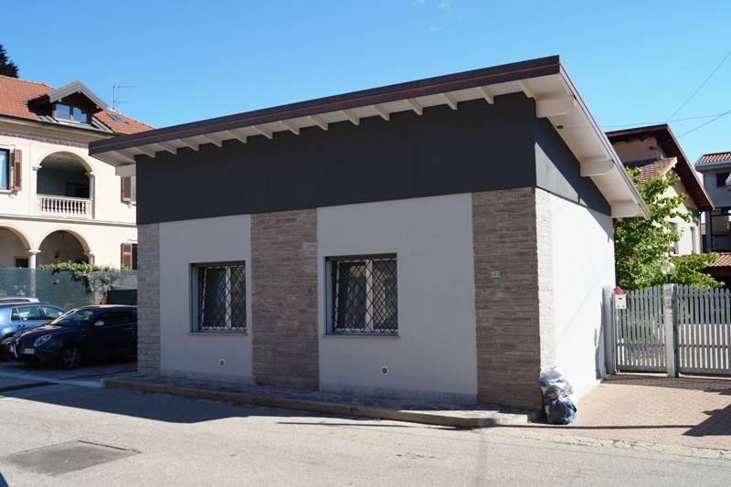 Ufficio / Studio in affitto a Ispra, 1 locali, prezzo € 100 | CambioCasa.it