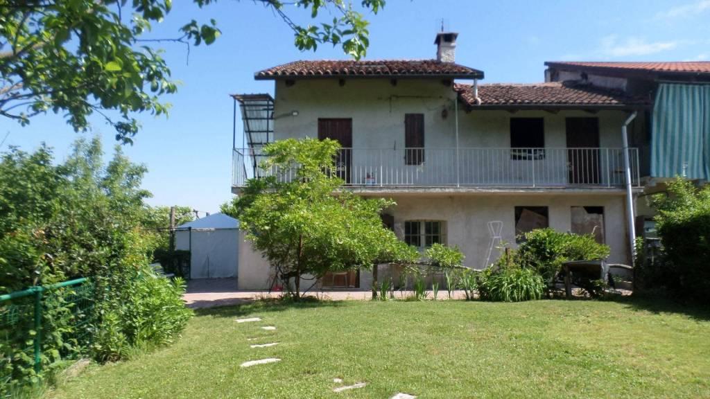 Villa in vendita a Santo Stefano Roero, 4 locali, prezzo € 128.000 | PortaleAgenzieImmobiliari.it
