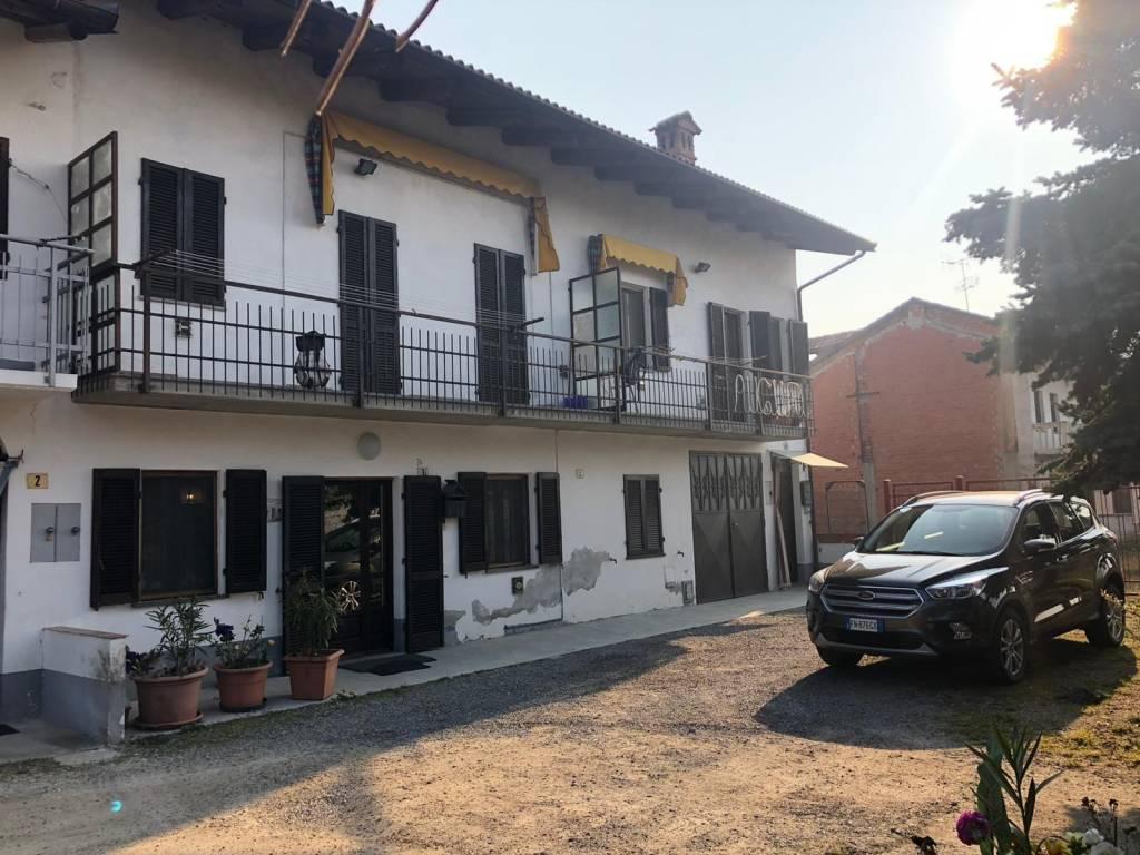 Villa in vendita a Sommariva Perno, 8 locali, prezzo € 143.000 | PortaleAgenzieImmobiliari.it
