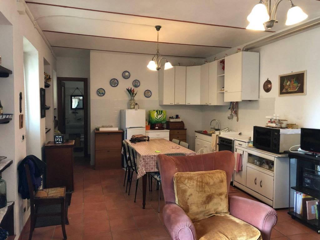 Soluzione Indipendente in vendita a Corneliano d'Alba, 5 locali, prezzo € 68.000   CambioCasa.it
