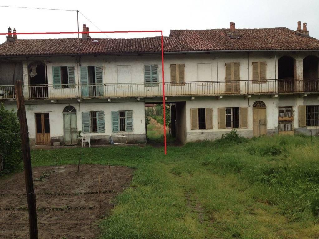 Soluzione Indipendente in vendita a Corneliano d'Alba, 4 locali, prezzo € 64.000   CambioCasa.it