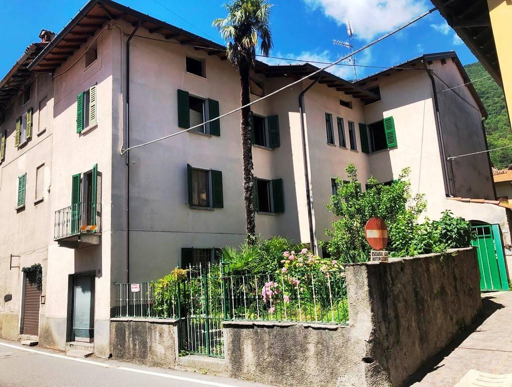 Soluzione Indipendente in vendita a Valbrona, 19 locali, prezzo € 160.000 | PortaleAgenzieImmobiliari.it