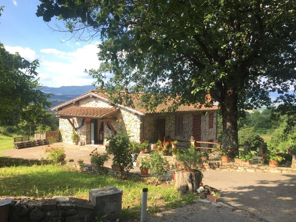 Villa in vendita a Barberino di Mugello, 8 locali, prezzo € 690.000 | CambioCasa.it