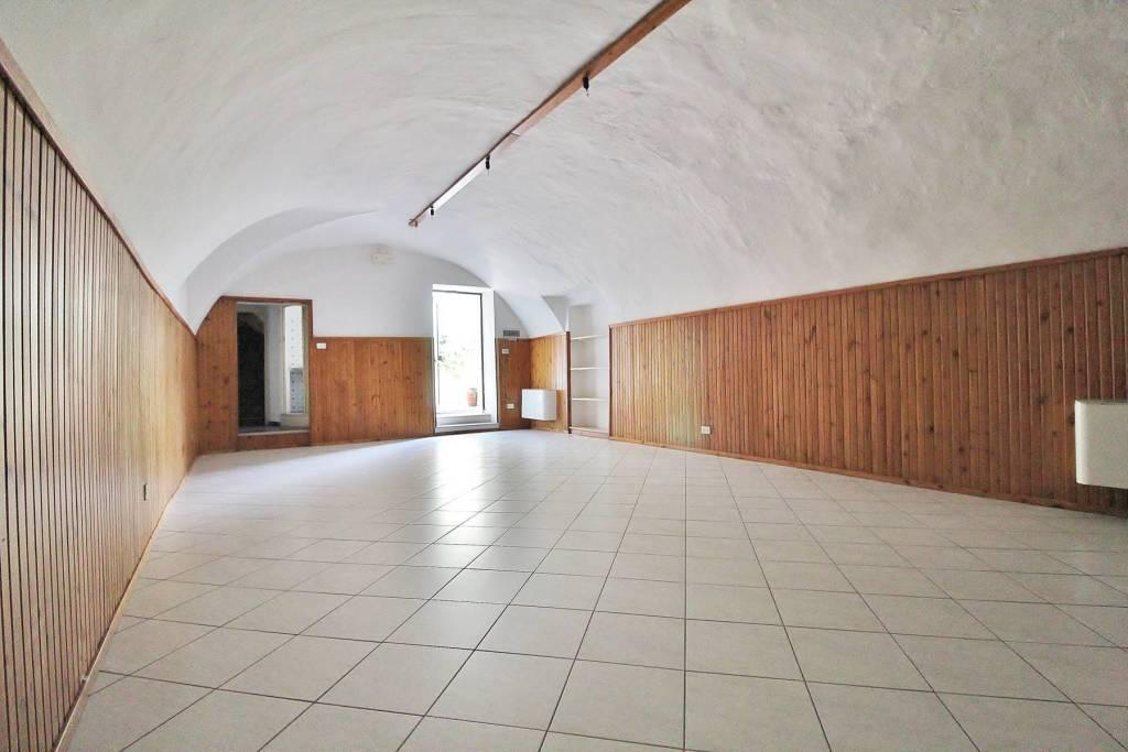 Negozio / Locale in vendita a Mazzano, 2 locali, prezzo € 58.000 | PortaleAgenzieImmobiliari.it