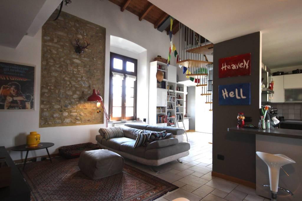 Appartamento in vendita a Merate, 5 locali, prezzo € 240.000 | PortaleAgenzieImmobiliari.it