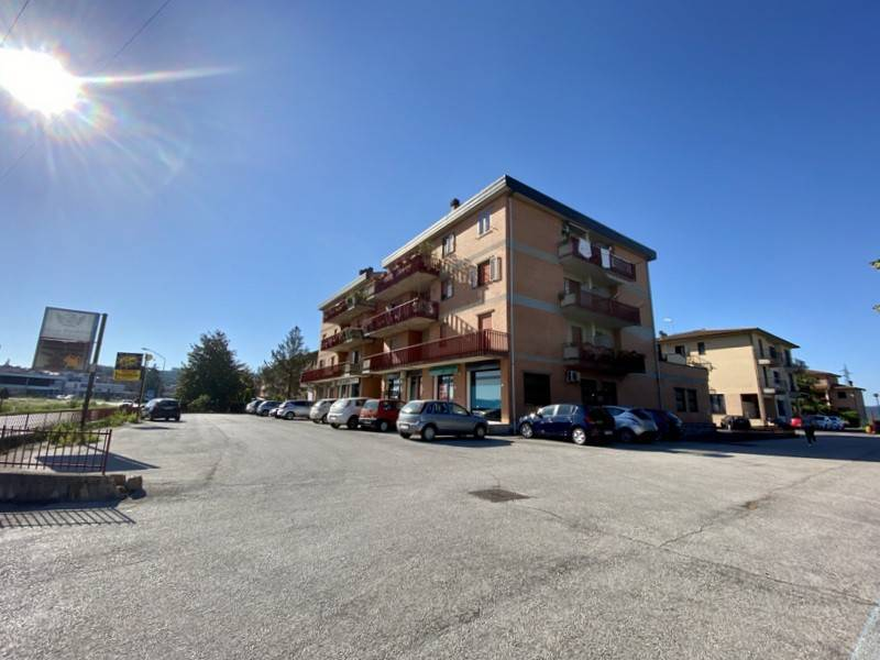 Appartamento in Vendita a Citta' Della Pieve Periferia: 4 locali, 82 mq