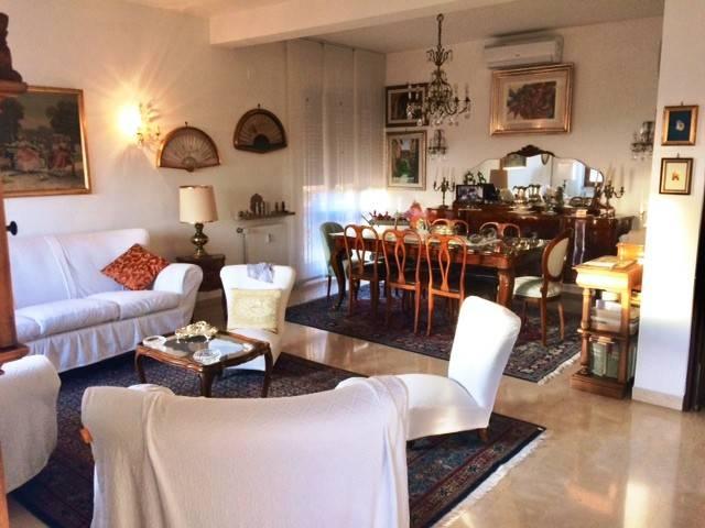Appartamento in Vendita a Perugia Semicentro: 5 locali, 154 mq