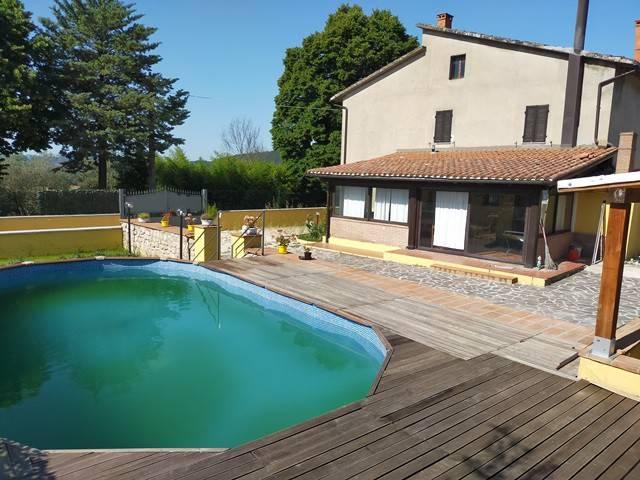 Villa in Vendita a Magione: 3 locali, 180 mq