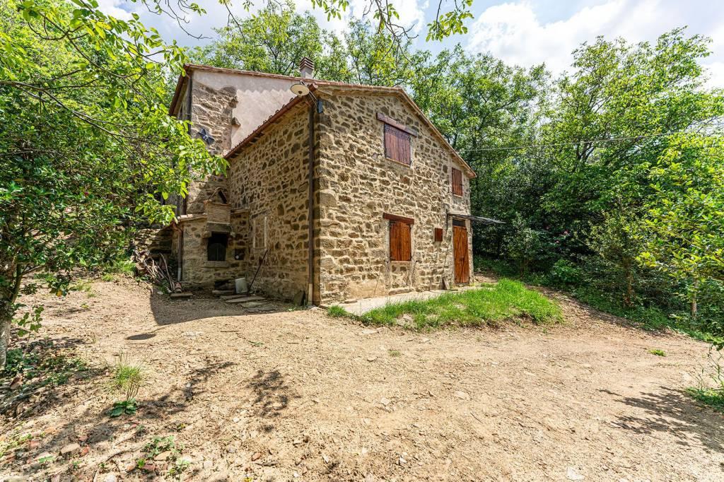 Rustico / Casale da ristrutturare in vendita Rif. 8442530