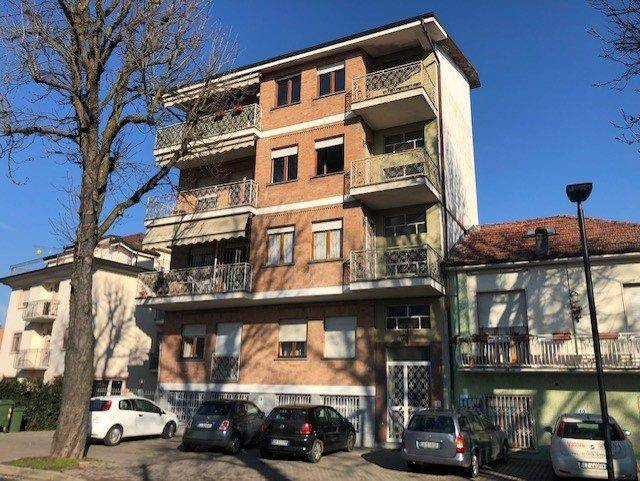 Appartamento in vendita a Alba, 4 locali, prezzo € 135.000 | PortaleAgenzieImmobiliari.it
