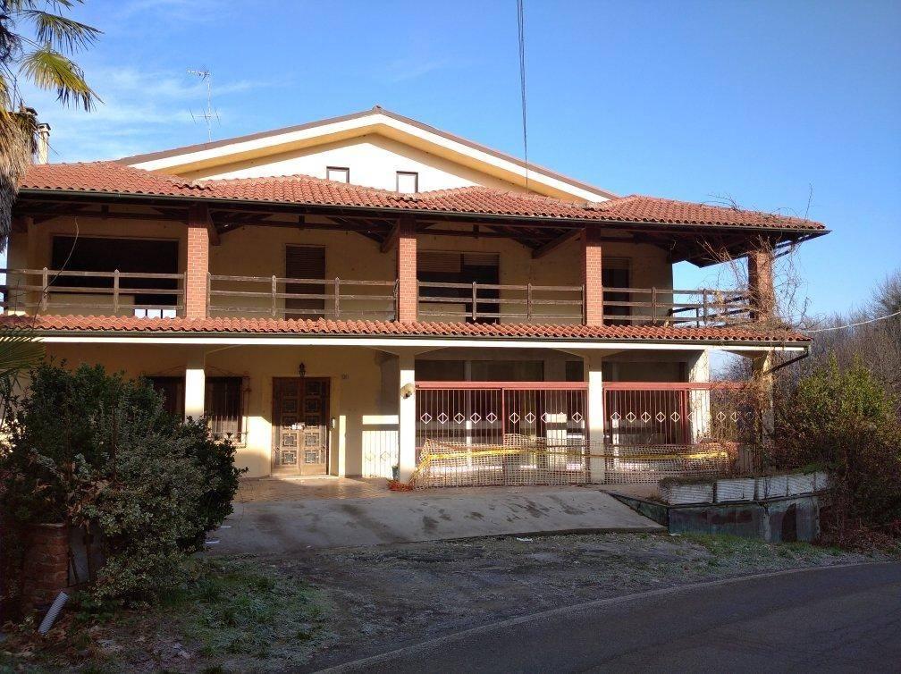 Appartamento in vendita a Cunico, 8 locali, prezzo € 142.000 | CambioCasa.it