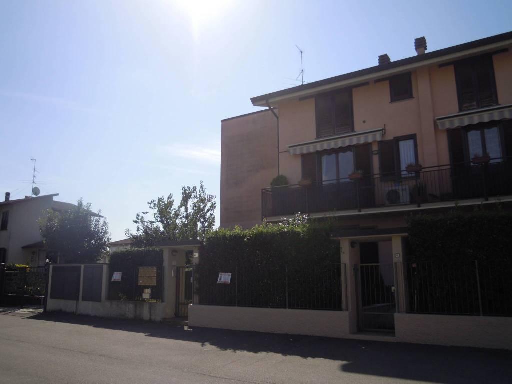 Appartamento in buone condizioni in vendita Rif. 8022445
