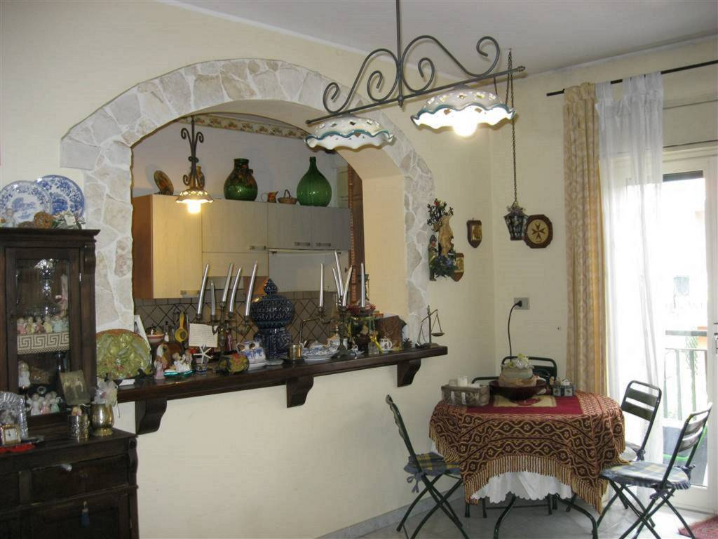 Appartamento in Vendita a San Pietro Clarenza Centro: 5 locali, 130 mq