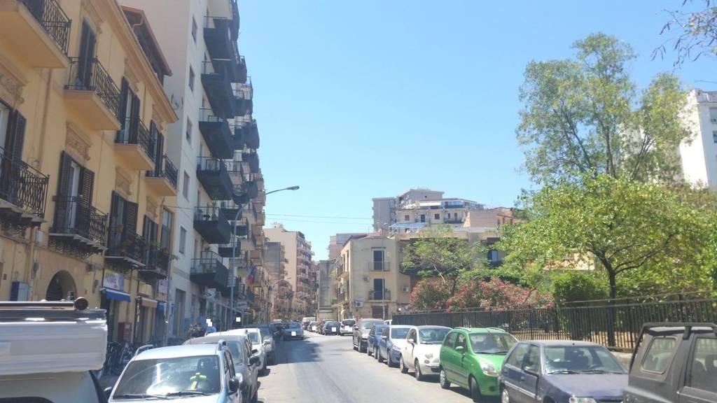 Appartamento in Affitto a Palermo Centro: 4 locali, 120 mq
